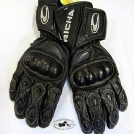 Richa, handske